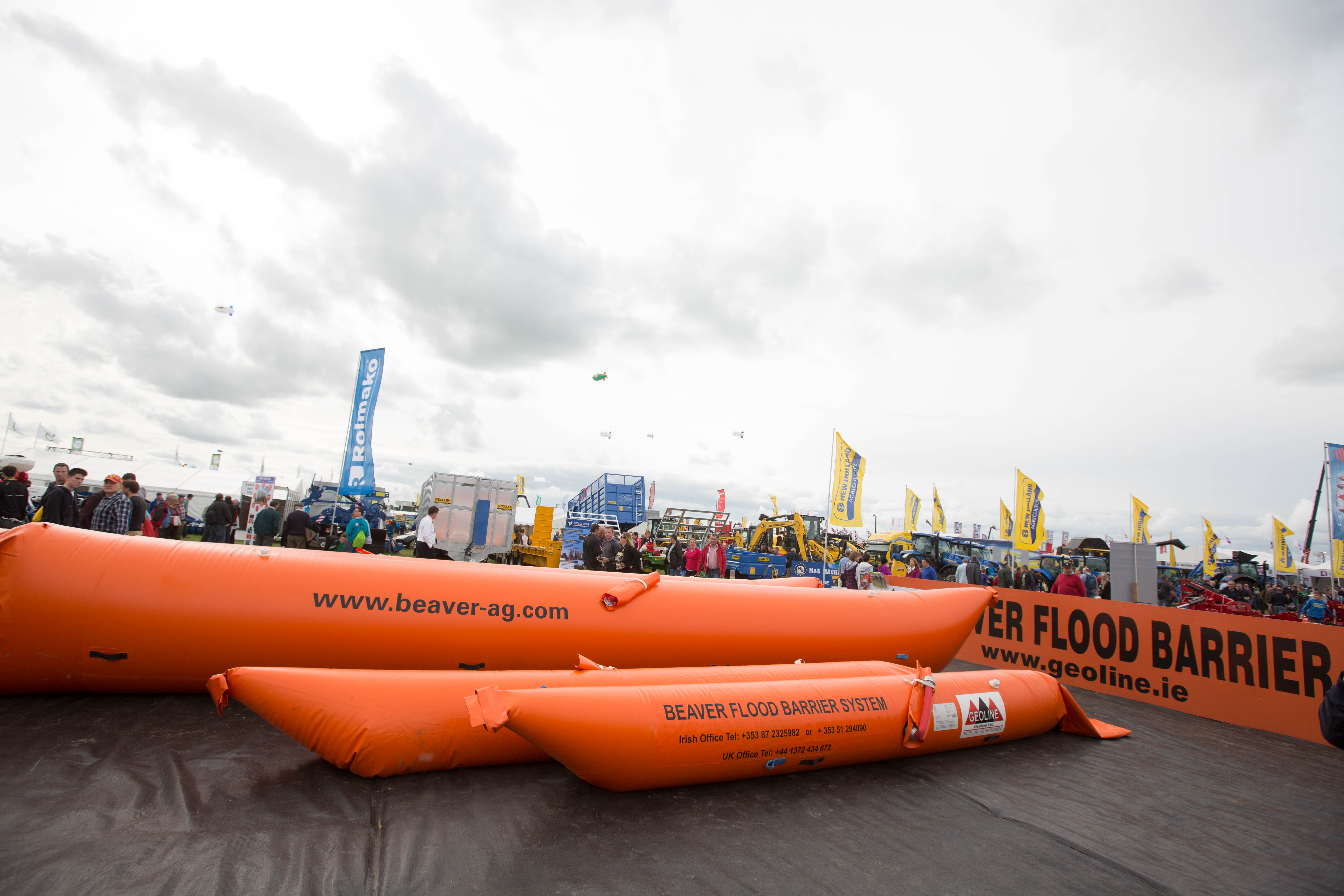 Commercial-flood-barriers