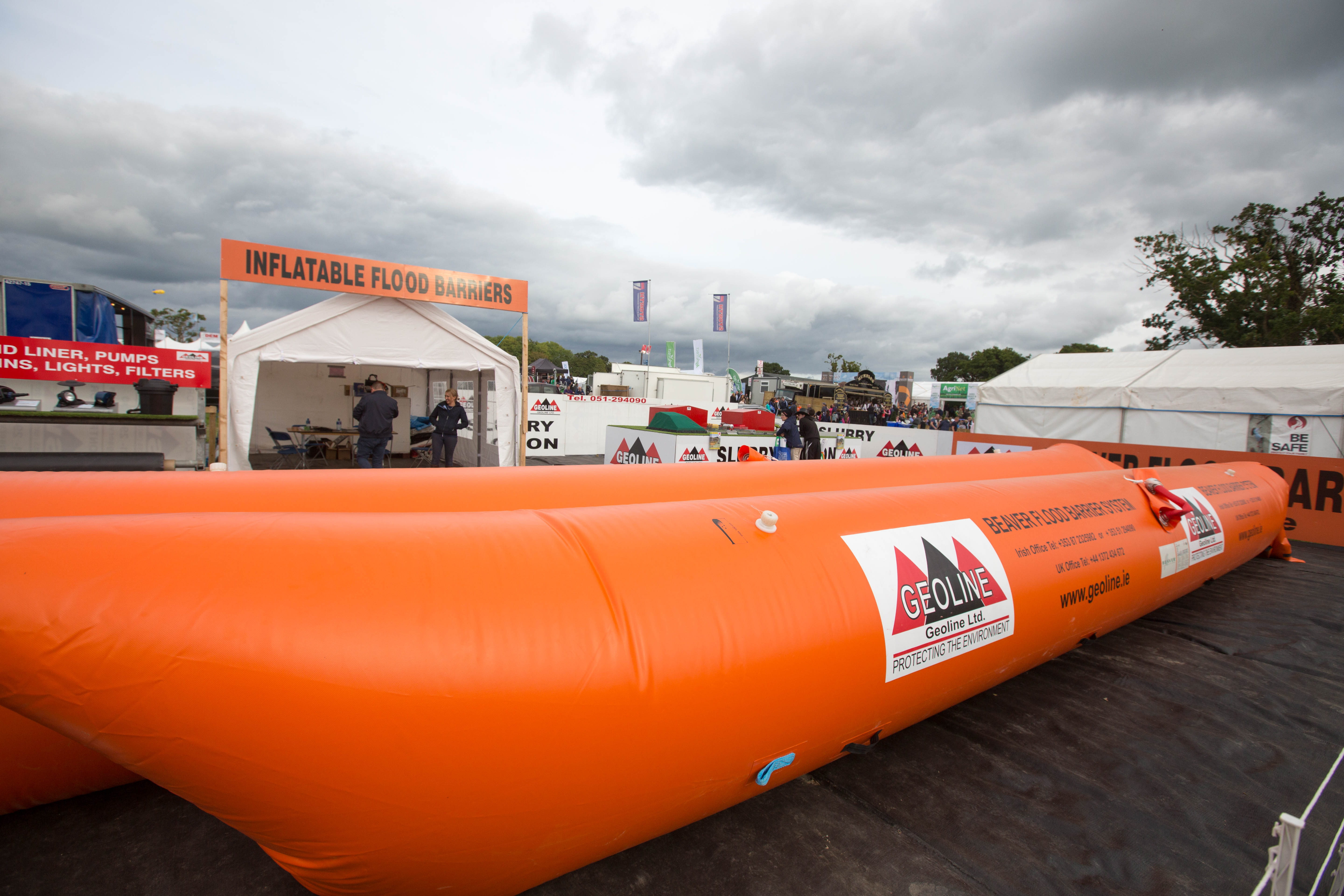 Flood-barriers-inflatable
